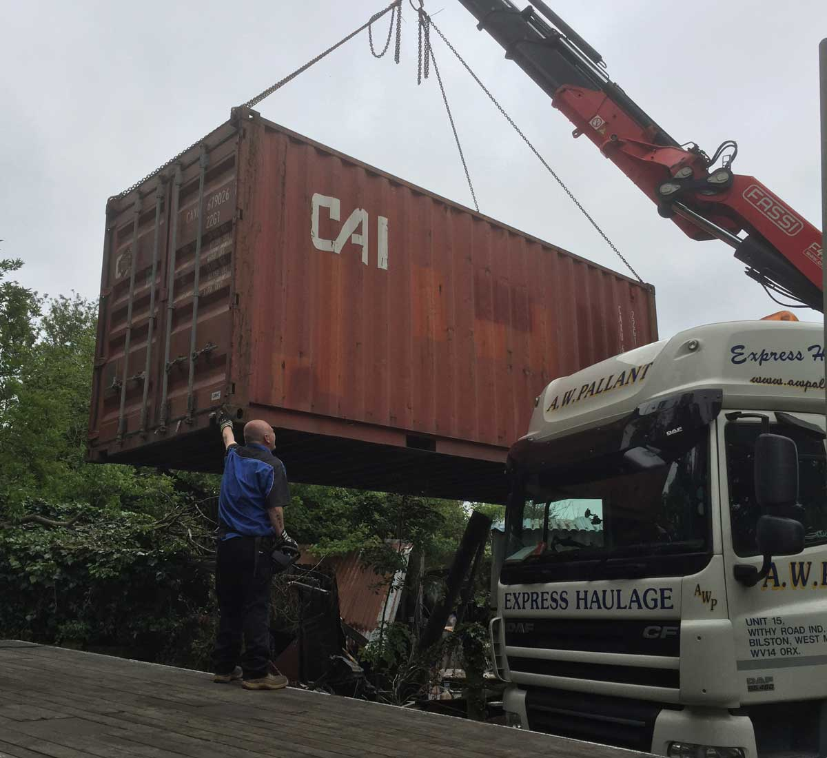 Refrigerated container delivery